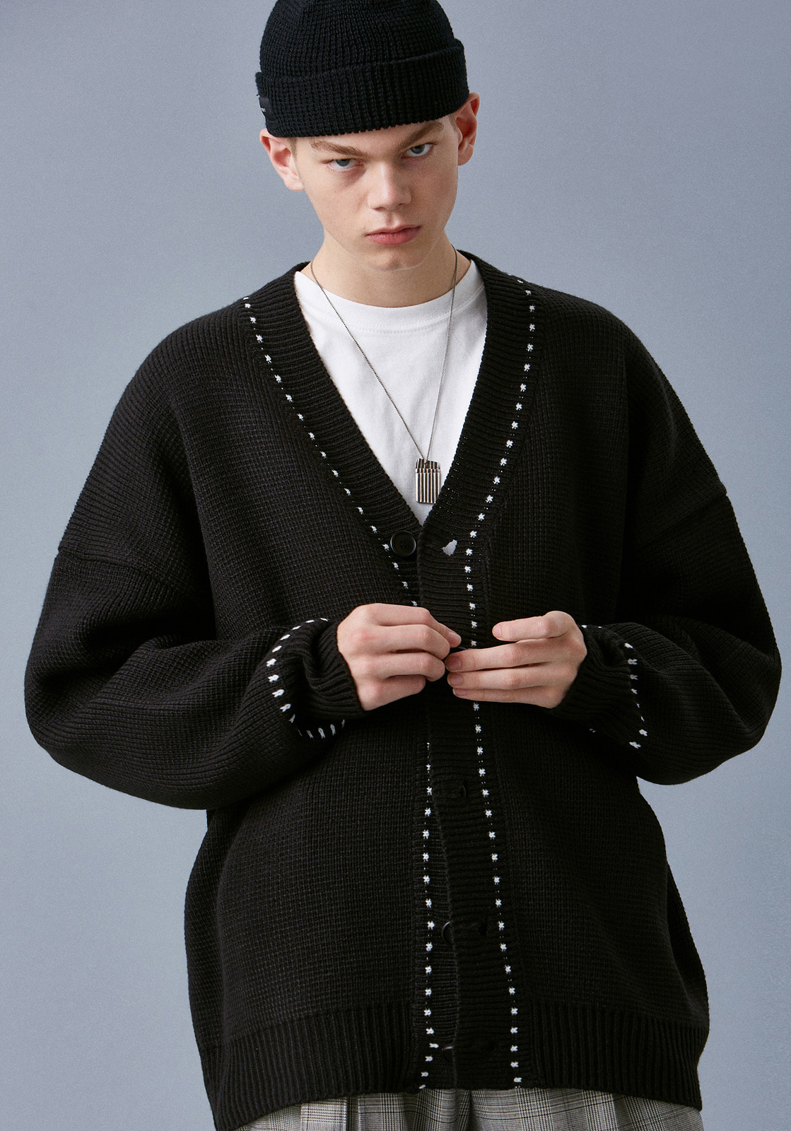 V546 STITCHES OVERSIZE KNIT CARDIGAN  BLACK
