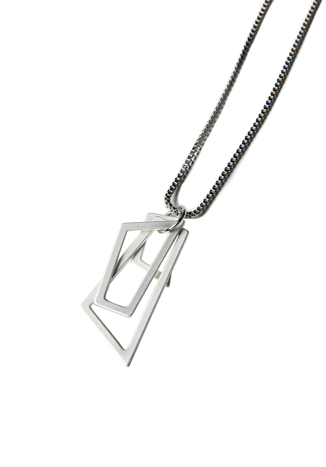 V827 FIGURE NECKLACE  SLIVER