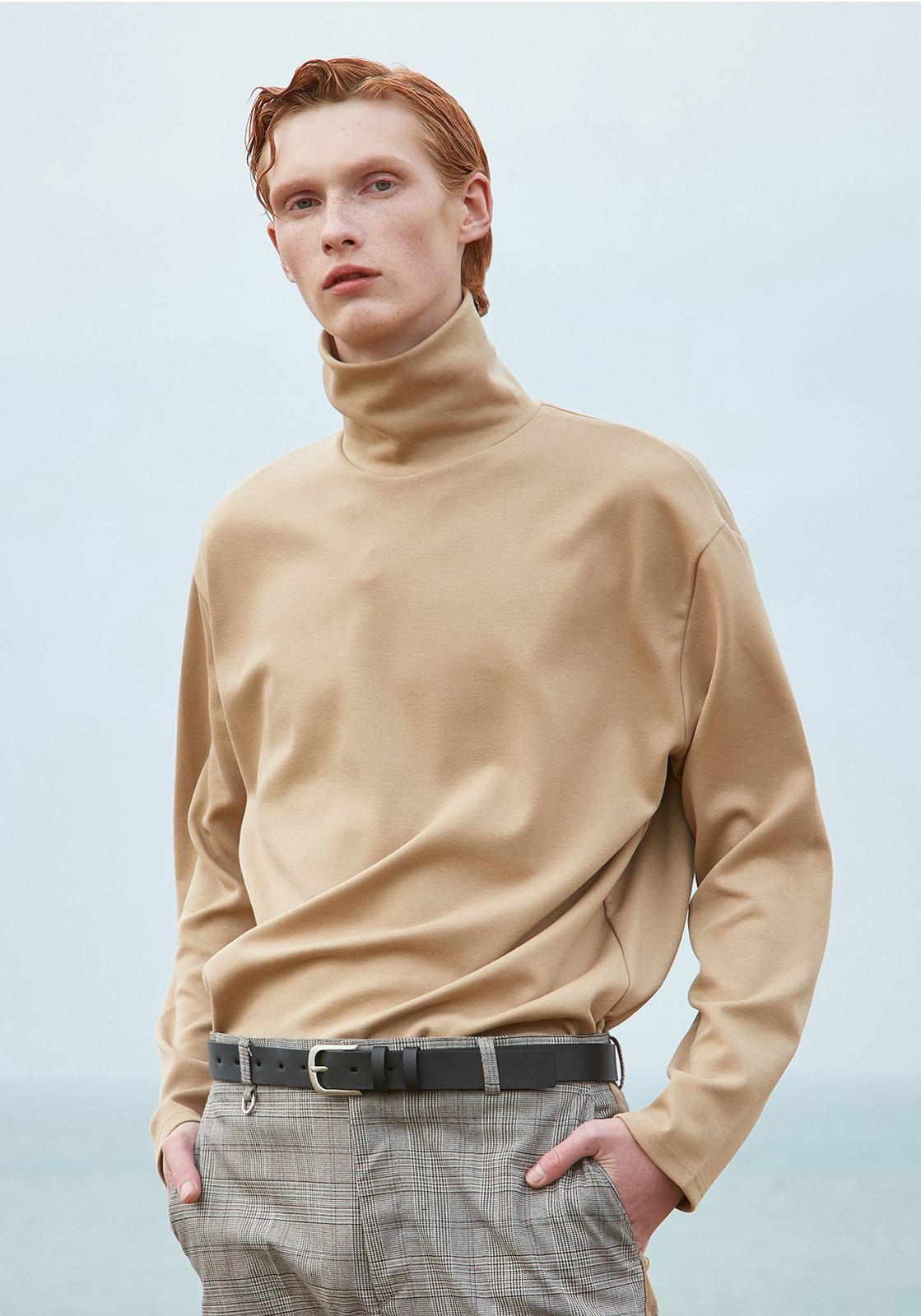 V372 NAPPPING TURTLENECK KNIT TEE  BEIGE